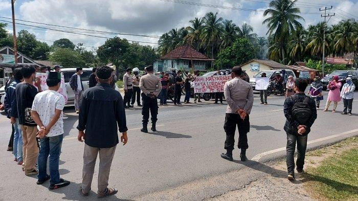 Polres Ogan Ilir Lakukan Pengamanan Demonstrasi Warga Lorok Tuntut Penutupan PT SMS