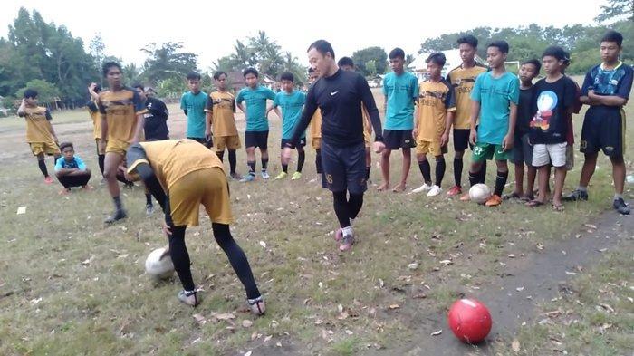 Ngandon ke Desa Seri Kembang, Jurnalis FC Ajak Ichsan Kurniawan dan Yu Hyun Koo Untuk Berbagi Ilmu