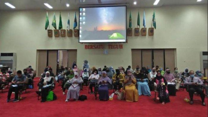 Kegiatan Sosialisasi dan Pedoman Sertifikasi Industri Pangan Olahan bagi ASPPEK Kota Palembang di Auditorium Bina Praja, Selasa (22/9/2020).