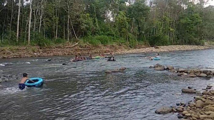 Asri dan Airnya Jernih, Pesona Sungai Kasie Lubuklinggau Langung Bikin Wanita Ini Jatuh Hati