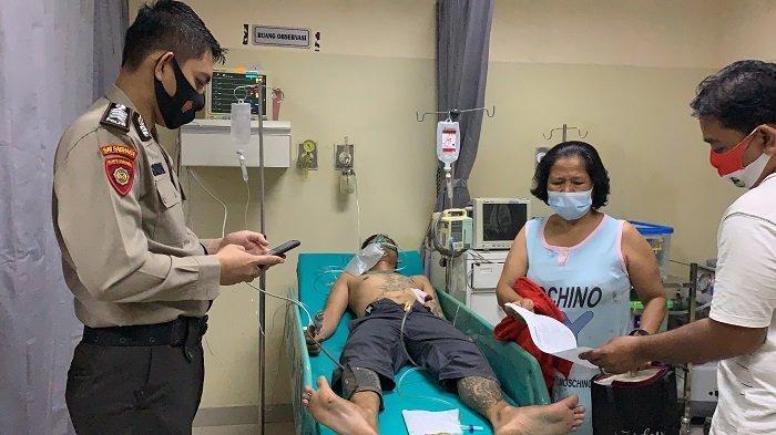 Alami 2 Tusukan, Pria di Palembang Terkapar Didekat Pintu Masuk RSUD Bari