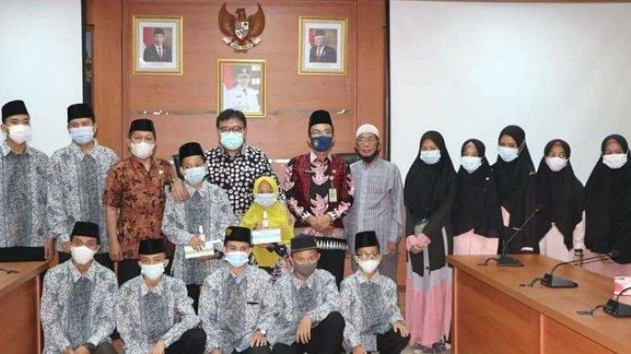 Pj Bupati Lepas Kafilah Kabupaten Muara Enim ke STQH XXVI Provinsi Sumatera Selatan di OKU Timur
