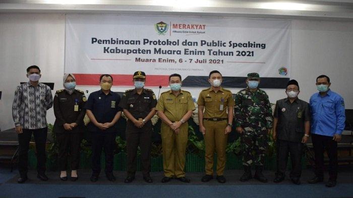 Puluhan ASN di Kabupaten Muara Enim Belajar Keprotokolan dan Public Speaking