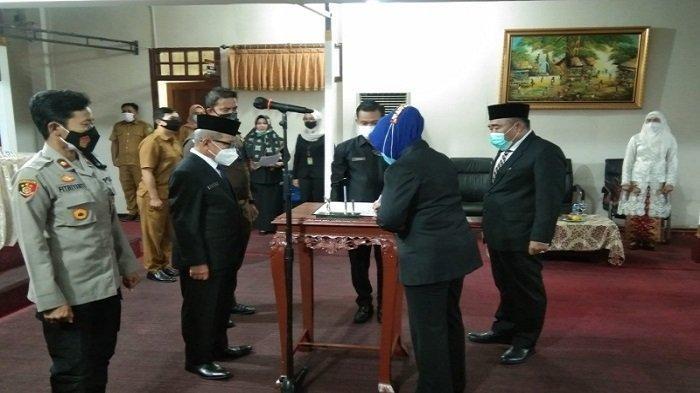 Kartika Yanti Resmi Jabat Pj Sekda PALI, Syahron Nazil Pilih Pensiun Dini