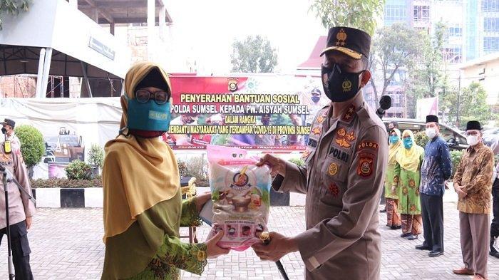 Kapolda Sumsel Distribusikan Bansos kepada Pengurus Wilayah PW Aisyiyah Sumsel