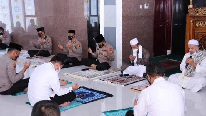 Polda Sumsel Gelar Zikir, Doa Keselamatan Bagi Bangsa Indonesia dan Perdamaian Dunia