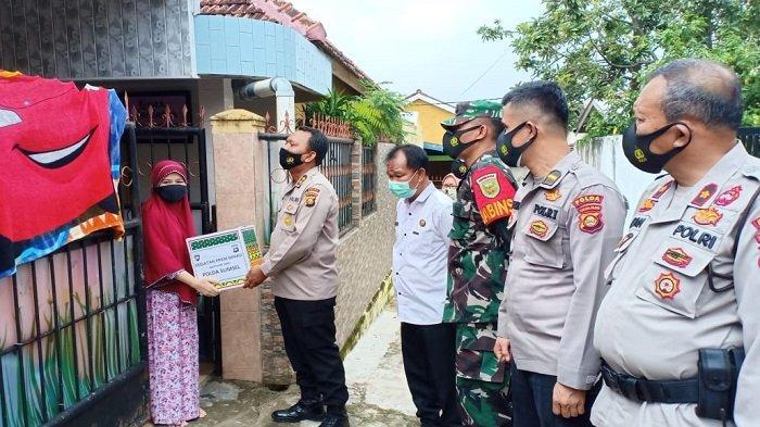 Polda Sumsel Grebek Kampung Zona Merah di Sukarami Palembang