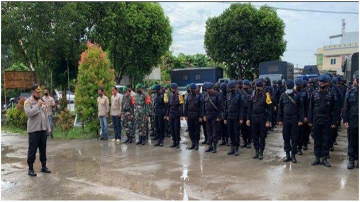 Kapolres Ogan Ilir Pimpin Apel Kesiapan Pengamanan Rapat Pleno Terbuka di Halaman KPUD Ogan Ilir
