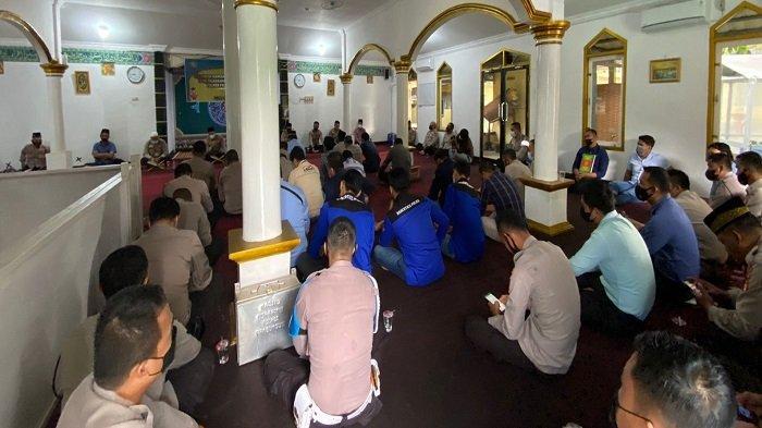 Sejumlah Personel Polri Khatam Al Quran, Polres Prabumulih Gelar Syukuran
