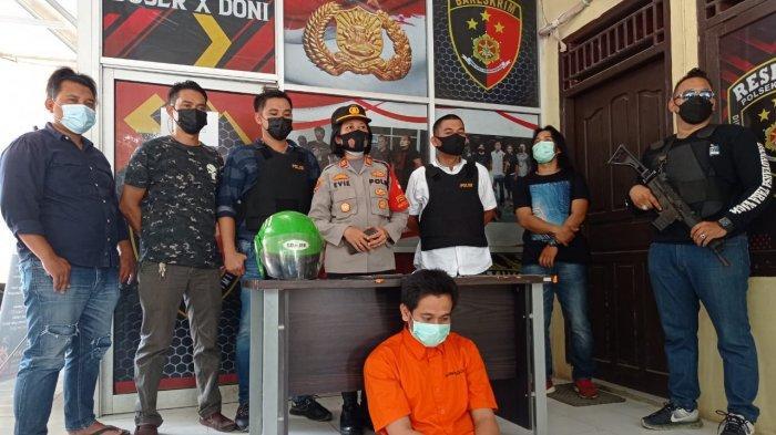 Niat Mencuri Jadi Intip Mantan Bos, Pria Beristri di Palembang tak Kuat Tahan Nafsu,Helm Ketinggalan