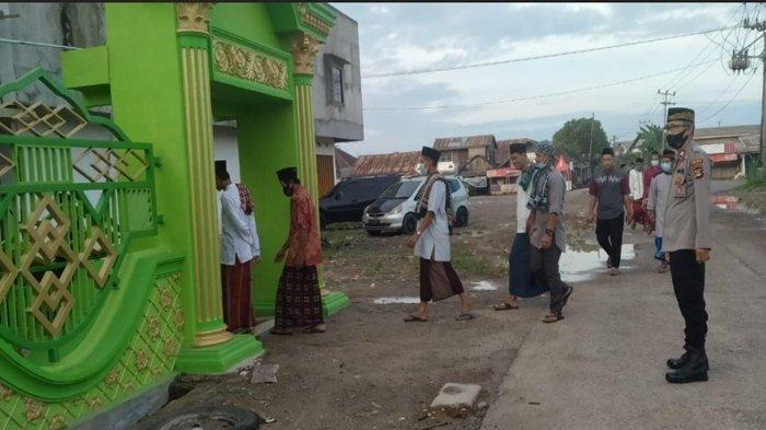 Polsek Pemulutan Lakukan Pengamanan Salat Idul Fitri 1442 H dan Imbauan Penerapan Prokes
