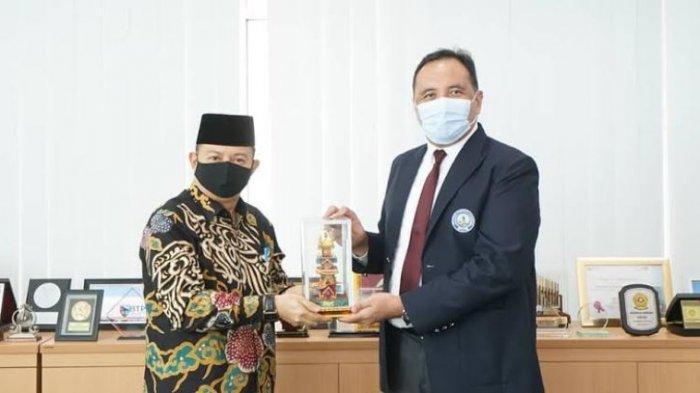 Politeknik Pariwisata (Poltekpar) Palembang menerima dua kunjungan sekaligus di waktu yang berbeda, Senin (19/10/2020). Kunjungan itu datang dari Dinas Pariwisata Provinsi Bengkulu dan Dinas Pariwisata Kabupaten Muara Enim.
