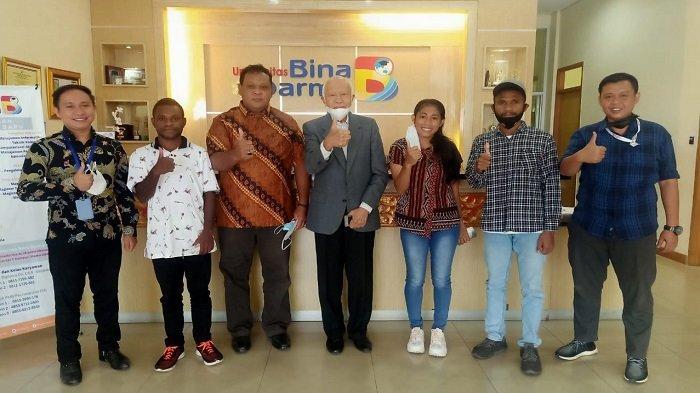 Prof Waspodo Menerima Mahasiswa Baru Universitas Bina Darma Asal Papua