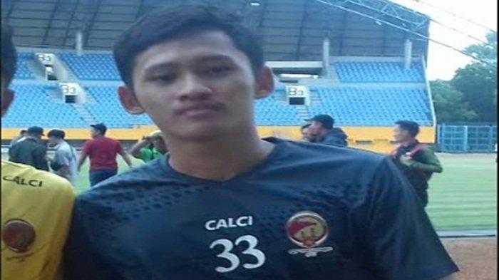 Kondisi dan Perkembangan Penjaga Gawang Sriwijaya FC M Royhan Hafiludin Menurut Ferry Rotinsulu