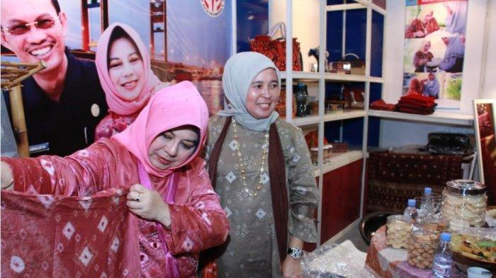Pemkot Palembang Promosikan Songket dan Jumputan di Jakarta International Handicraft Trade Fair