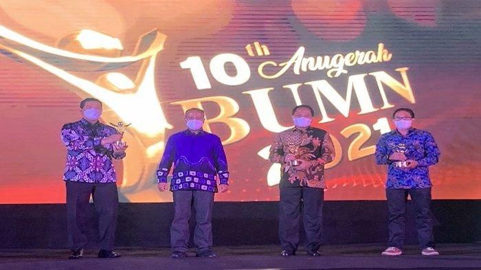 Anugerah BUMN 2021, Apresiasi Bagi BUMN Tangguh Hadapi Badai Pandemi - pt-pupuk-sriwidjaja-palembang-meraih-anugerah-bumn-2021-ini.jpg