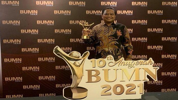 Anugerah BUMN 2021, Apresiasi Bagi BUMN Tangguh Hadapi Badai Pandemi - pt-pupuk-sriwidjaja-palembang-meraih-anugerah-bumn-2021.jpg