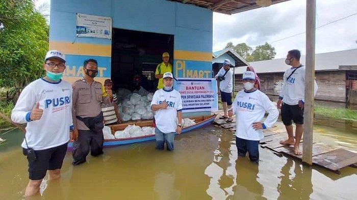 Kepedulian Pusri Pada Korban Banjir Kalsel - pt-pupuk-sriwidjaja-palembang-pusri-5.jpg