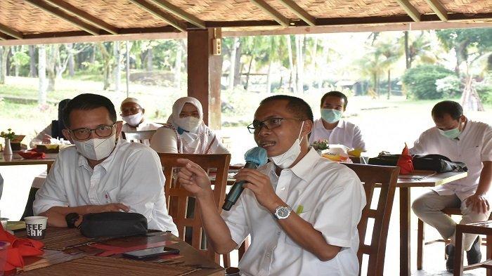 Dukung Pertanian di Lampung, Direksi Pusri Ngobrol Bareng Distributor NPK Subsidi - pt-pusri-ngobrol-bareng-direksi-bersama-distributor-pupuk-npk-subsidi-1.jpg