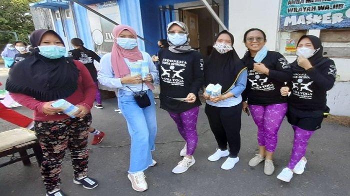 KAPHA Yoga Indonesia Yoga School Palembang Mengadakan Senam Bersama di Kota Kayuagung OKI - puluhan-orang-yang-mengikuti-senam-yang-digelar-kapha-yoga-indonesia-yoga-school-palembang-2.jpg