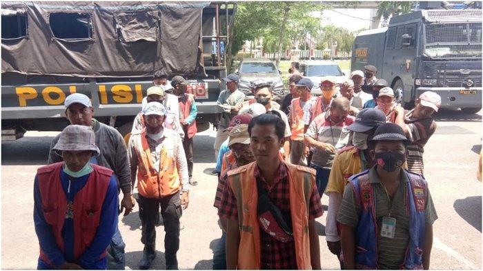 Tak Punya Izin dan Lakukan Pungli Rp 15 ribu, Puluhan Tukang Parkir  di Palembang Ditangkap Polisi