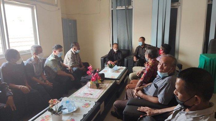 Tak Kunjung Tuntas Sengketa Ganti Rugi Lahan Tol, Puluhan Warga Datangi DPRD Prabumulih