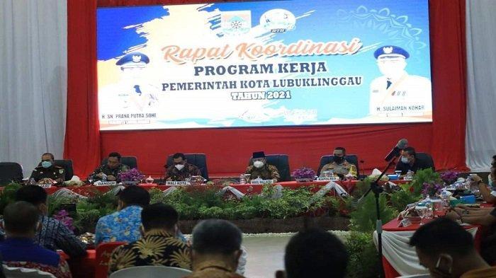 Walikota Lubuklinggau,H SN Prana Putra Sohe menggelar rapat koordinasi (Rakor) Tingkat Kota Lubuklinggau Tahun 2021.