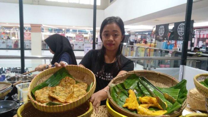 Gorengan Naik Kelas Masuk Mall di Palembang, Harganya Juga Berubah