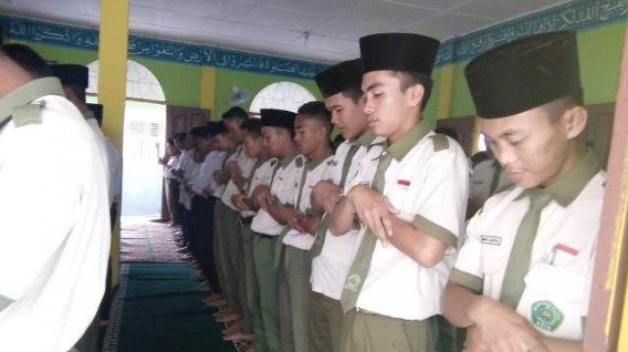 Empat Cara Membiasakan Anak Shalat Subuh di Masjid, Ini Cara Mudahnya