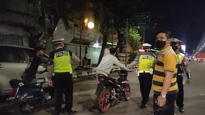 Polisi Jaring Puluhan Motor Knalpot Racing di Jalan Jendral Sudirman Palembang
