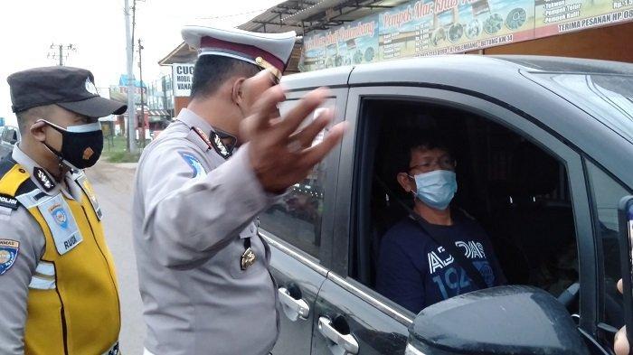 Masih Beralasan Lupa Vaksin, Banyak Pengendara Diputar Balik di Jalintim KM 14 Banyuasin