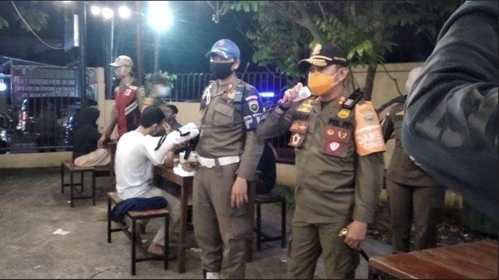 Satpol PP Sumsel Razia Prokes di Mal dan Kafe, Masih Ada Masyarakat yang Tak Pakai Masker