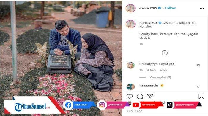 Jelang Lamaran, Ria Ricis Ajak Teuku Ryan Ziarah ke Makam Ayahanda : 'Pa, Kenalin, Security Baru'