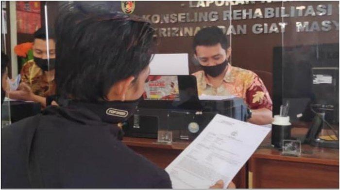 Cas Ponsel Sambil Tidur Siang, Pria Muda di Palembang Kaget 2 HP Raib, Maling Masuk Diam-diam