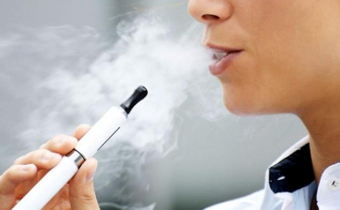 Merokok Saat Puasa Apakah Batal? Ini Hukum dan Penjelasannya, Termasuk Rokok Elektrik Atau Vape