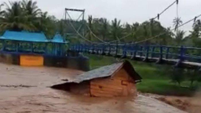 Intensitas Hujan Meningkat, Warga Lubuklinggau Waspada Banjir dan Pohon Tumbang