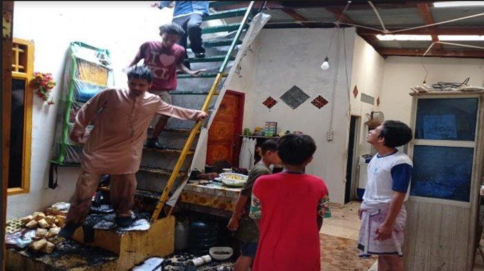 Kebakaran di Jalan Cempaka Dalam 26 Ilir Palembang, Api Muncul di Lantai Dua Rumah Pensiunan ASN