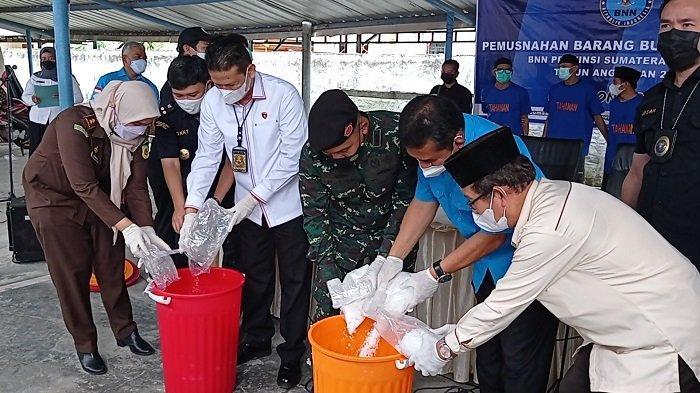 Sabu Senilai Rp 16 Milyar yang diamankan di Rest Area Tol Dimusnahkan BNNP,  Diduga Digerakan Napi