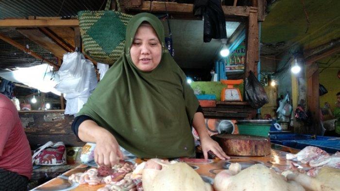 Harga Ayam Kampung di Baturaja Tembus Rp 100 Ribuper Kg, Pedagang Makanan Kebingungan
