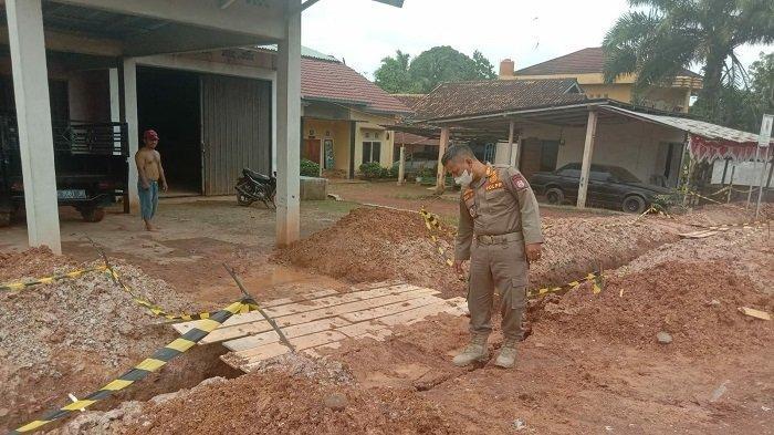 Pol PP Banyuasin Cek Galian Pipa Resahkan Warga di Kecamatan Banyuasin III