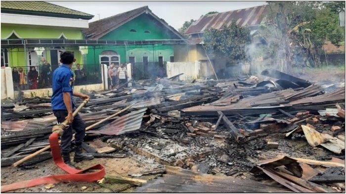 Kebakaran di Purwodadi Musirawas, 1 Rumah Kayu Hangus Tak Bersisa, Diduga Karena Api Kompor