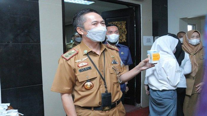 Ratu Dewa Pelopori Tes Urine Pejabat Pemkot Palembang