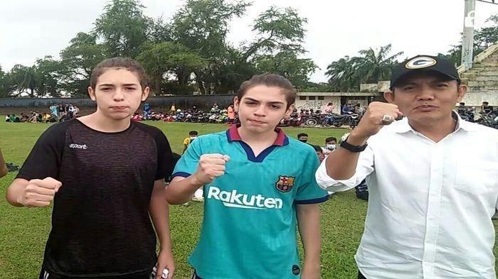 Dua Remaja Ganteng Asal  Argentina  Hebohkan Stadion Patra Jaya Palembang