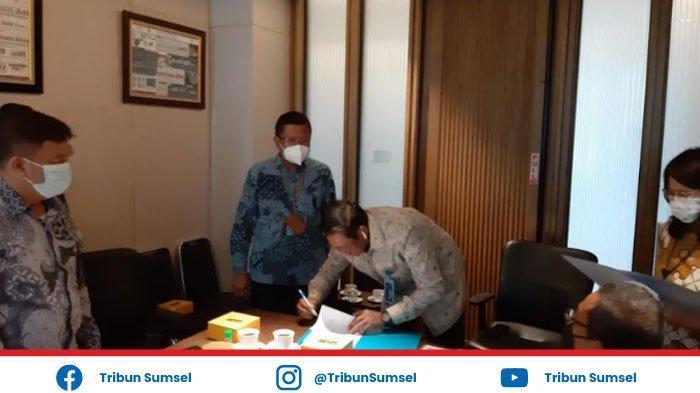 Direktur Bisnis Regional Sumatera & Kalimantan Hadiri Acara Sertijab General Manager PLN UIW S2JB
