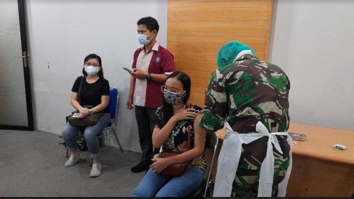 1.100 Orang Jalani Vaksinasi di Unika Musi Charitas