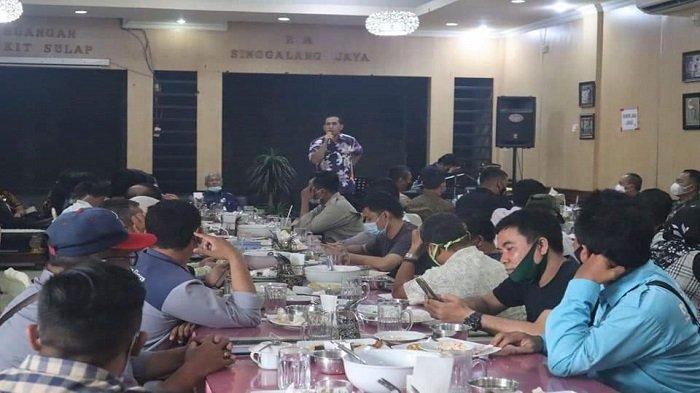 Suasana acara silaturahmi Pemkot Lubuklinggau dan bersama insan pers  di rumah makan (RM) Singgalang Jaya, Kamis (1/4/2021).
