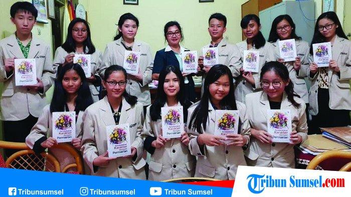 Kerja Keras Selama 5 Bulan, Siswa SMA Xaverius 3 Sukses Terbitkan Buku Karya Ilmiah