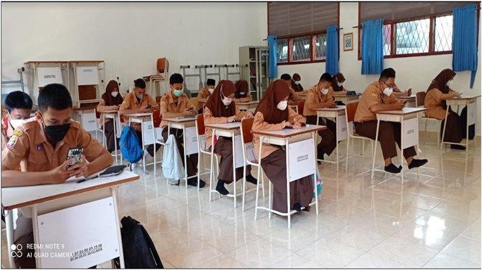 PTM Terbatas di Palembang Masih Berjalan, Siswa SMAN 6 Palembang Ikuti PHB Secara Onilne dan Offline
