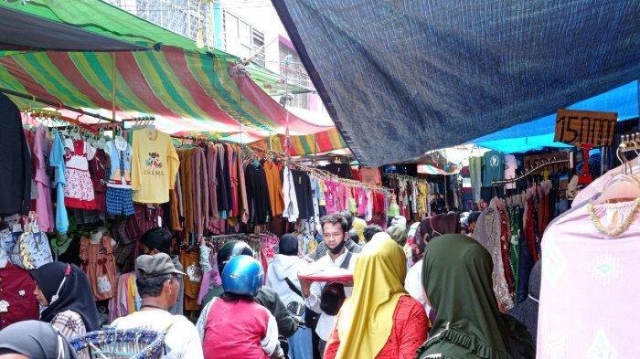 Jelang Lebaran, Kondisi Pasar 16 Ilir Palembang Makin Ramai