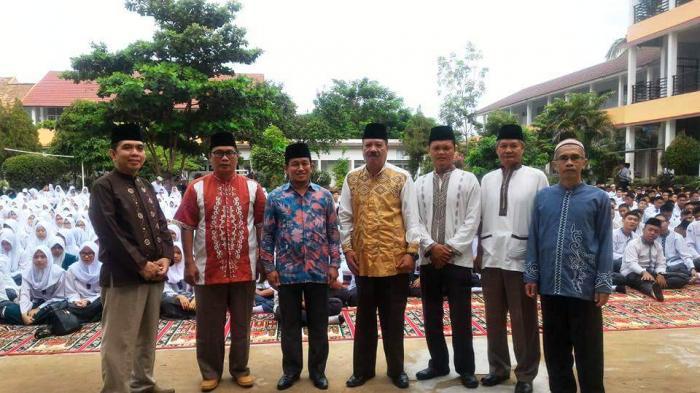 Guru dan Siswa SMA Negeri 3 Palembang Peringati 1 Muharam 1438 H